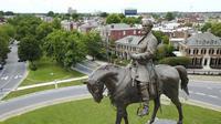 Patung Robert E Lee versi Charlottesville, Virginia (AP)