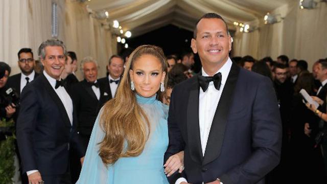 [Bintang] Jennifer Lopez dan Alex Rodriguez