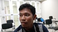 Eks Persib Bandung, Eka Ramdani, setelah penandatanganan kerja sama antara SSB UNI dan Bank Jabar Banten, Jumat (17/7/2020). (Bola.com/Erwin Snaz)