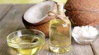 Simak di sini beberapa keajaiban minyak kelapa bagi kecantikan Anda, penasaran? Sumber foto: Well-Being Secrets.