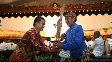 Ki Manteb Tutup Festival Dalang Nasional 2014