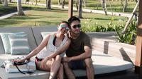 Darius Sinathrya bersama Donna Agnesia di Bali (Sumber: Instagram/dagnesia)