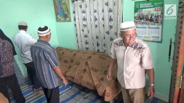 Anggota Polresta Madiun, Aipda Atok Wahyudi tewas saat mengejar pelanggar lalu lintas yang kabur saat razia.
