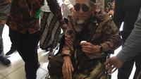 Ketua Majelis Syariah Partai Persatuan Pembangunan (PPP) KH Maimoen Zubair Mendatangi Kantor DPP PPP di Jakarta, Sabtu (16/3/2019). (Foto: Merdeka.com)