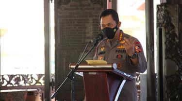Kapolri Jendral Polisi Listyo Sigit Prabowo ketika memberikan sambutannya di Pendopo Kabupaten Blora. (Liputan6.com/Ahmad Adirin)