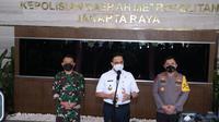Kapolda Metro Jaya, Irjen Pol Fadil Imran bersama Pangdam Jaya dan Gubernur DKI Jakarta Anies Baswedan mencetuskan gerakan 'Jakarta Bermasker'. (Liputan6.com/Ady Anugrahadi)