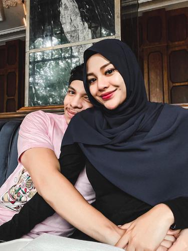 Aurel Hermansyah dan Atta Halilintar. (Foto: Instagram @attahalilintar)