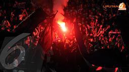 Ribuan suporter Persib bandung bersuka cita ketika Firman Utina berhasil merobek jala gawang DC United dan unggul 2-1 (Liputan6.com/Helmi Fithriansyah)