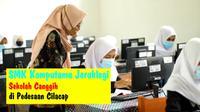 Siswa SMK Komputama Jeruklegi, Cilacap tengah berpraktik di Lab Komputer. (Foto: Liputan6.com/Muhamad Ridlo)