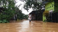 Hingga hari kedua, hujan lebat disertai angin kencang masih terjadi di beberapa Kabupaten di Sulawesi Selatan. (Liputan6.com/ Eka Hakim)