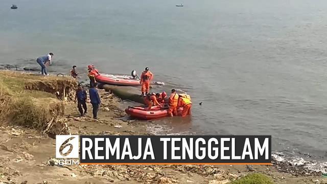 Dua remaja tenggelam saat berenang di kawasan Pantai Dock Ekanuri, Ancol. Satu remaja ditemukan meninggal, dan satunya lagi masih dalam pencarian.