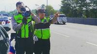 Polisi Lalu Lintas Cimahi, akan dilengkapi speedgun di tol Cipularang, Kabupatan Bandung Barat. (Instagram)