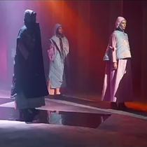 Karya Deden Siswanto di Virtual Fashion Show Indonesia Sharia Economic Festival (ISEF) 2020. (Screenshot  Virtual Fashion Show Indonesia Sharia Economic Festival (ISEF) 2020)