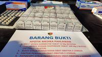 Ketiga apotek itu menjual obat ivermectin dua kali lipat di atas harga eceran tertinggi (HET) yang ditetapkan pemerintah. (Foto:Liputan6/Achmad Sudarno)