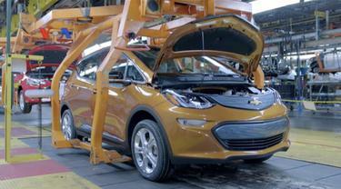 Mobil listrik dan hibrida menarik perhatian; GM luncurkan subkompak listrik; Ford tampilkan Mustang terbaru. VOA