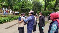 Ridwan Kamil melantik tim edukasi dan pengawasan Covid-19 Kota Bogor. (Achmad Sudarno/Liputan6.com)