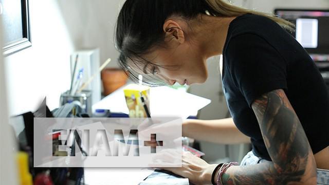 Simak berbagai tips dan kiat aman agar tubuh kita nyaman saat akan ditato dalam tayangan feature ENAM+ bersama Tato Artis Nadya Natasya (Nadcil)