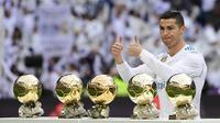 3. Menjuarai Ballon D'or dan FIFA's Player of the Year di dua liga berbeda, yakni ketika bermain untuk Manchester United dan Real Madrid. (AFP/Pierre-Philippe Marcou)