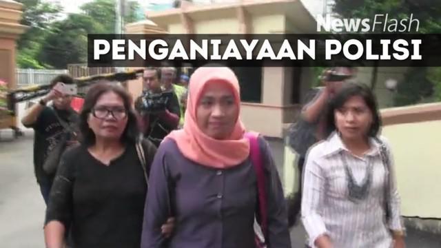 Dora Natalia Singarimbun memenuhi panggilan kepolisian terkait kasus kekerasan terhadap Aiptu Sutisna di Jatinegara Barat, Jakarta Timur, pada 13 Desember 2016 lalu.