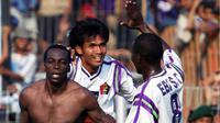 Persik Kediri menjadi kuda hitam dan juarai Divisi Utama 2003. (Bola.com/Gatot Susetyo)
