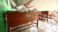 Sekolah yang gentingnya roboh di Bogor (Liputan6.com/Achmad Sudarno)
