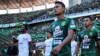Gelandang Persebaya, Fandi Eko Utomo, saat melawan Persija di Stadion Gelora Bung Tomo, Surabaya. (Bola.com/Aditya Wany)