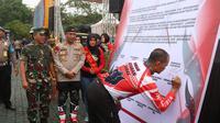 Deklarasi damai komunitas motor trail di Mapolda Jabar. (Istimewa)