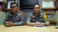 Mantan Kapolsek Pasir Wangi, Garut, AKP Sulman Ajiz (kiri). (Merdeka.com)