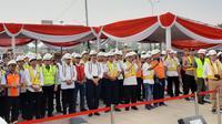Menko Maritim dan Menhub tinjau proyek LRT Jabodebek (dok: Bawono)
