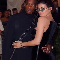 Kylie Jenner dan Travis   Scott mulai membuka hubungannya   pada publik. (instagram/kyliejenner)