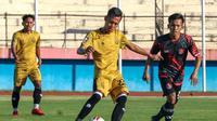 Pertandingan uji coba antara Bhayangkara Solo FC melawan Persekat Tegal di Stadion Gelora Delta, Sidoarjo, Jumat (28/5/2021). (Dok Bhayangkara Solo FC)