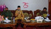 Sekda Kota Bengkulu Bujang HR mengajak warga untuk meningkatkan ilmu pengetahuan dan kemakmuran. (Liputan6.com/Yuliardi Hardjo)