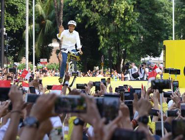 Bersepeda, Capres 01 Hadiri Deklarasi Alumni UI untuk Jokowi - Amin