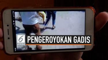 Jagad media sosial dihebohkan dengan sebuah tayangan video yang mempertontonkan adegan dugaan pengeroyokan, oleh sejumlah anak perempuan di Surabaya.