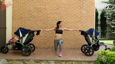 Ibu ini membuktikan, tak ada alasan untuk tak berolahraga walaupun minim alat yang memadai.