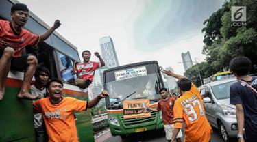 Antusiasme Suporter Persija Jakarta Dukung Tim Kesayangannya
