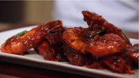Resep praktis Udang Saus Padang, menu berbuka yang bikin kenyang. (foto: dok. Masak.tv/Henry)