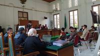 Dua mantan ajudan Nurdin Abdullah sebut sejumlah kontraktor penyetor uang pelicin untuk mendapatkan proyek (Liputan6.com/ Eka Hakim)