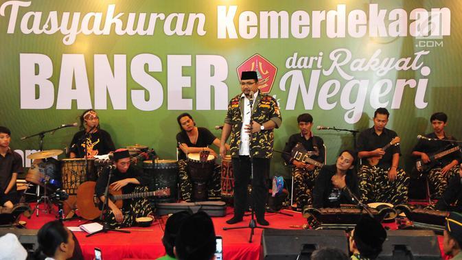 Ketua Umum GP Ansor Yaqut Cholil Qoumas menyampaikan sambutan saat menggelar tasyakuran 72 tahun kemerdekaan RI di Kantor Pusat GP Ansor, Jakarta, Senin (28/8). Tasyakuran Kemerdekaan itu bertajuk