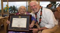 Nenek 94 Tahun Lulus Kuliah, Setelah Setengah Abad Tertunda