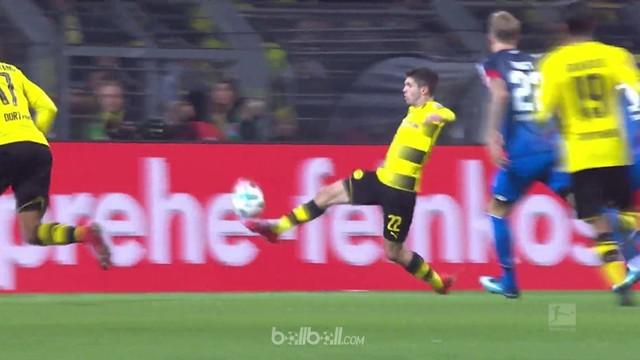 Berita video Christian Pulisic dalam daftar pencetak gol terbaik pekan ke-17 Bundesliga 2017-2018. This video presented by BallBall.