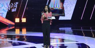 Sederet nama lahir sebagai pemenang di Indonesian Box Office Movie Awards atau IBOMA 2018 yang di Studio 6 Emtek City, Daan Mogot, Jakarta Barat, dan ditayangkan langsung di SCTV, Jumat (23/3/2018). (Adrian Putra/Bintang.com)