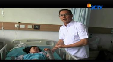 Enam belas korban luka selasar Gedung Bursa Efek Indonesia telah membaik bahkan ada yang sudah boleh pulang.