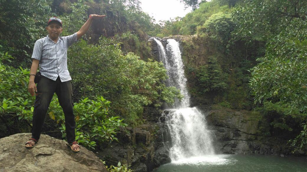 Selain eksotika alamnya, air terjun perawan Tompobulu ini juga punya cerita mitos, salah satunya sebagai tempat mandi bidadari langit. (Liputan6.com/Eka Hakim).