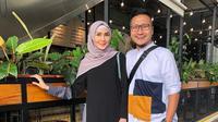 Arie Untung dan Fenita Arie [foto: instagram/fenitarie]