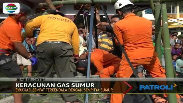 Bapak dan anaknya di Jember, Jawa Timur, mengalami keracunan gas saat sedang menguras sumur sedalam 25 meter.