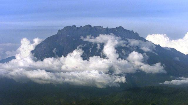 10 Pendaki Tak Berbusana Di Kinabalu Dituding Jadi Penyebab Gempa News Liputan6 Com