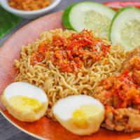 ilustrasi Mie Goreng Ayam Geprek/Photo by Ke Vin on Unsplash