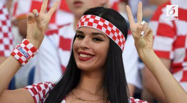 Selain pertandingan sepak bola, Piala Dunia 2018 juga menampilkan pesona tersendiri melalui kecantikan para suporter yang hadir.