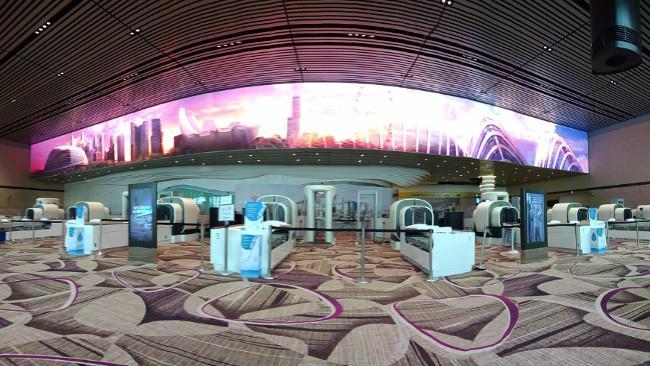 Nuansa tempo dulu di terminal 4 Bandara Changi
